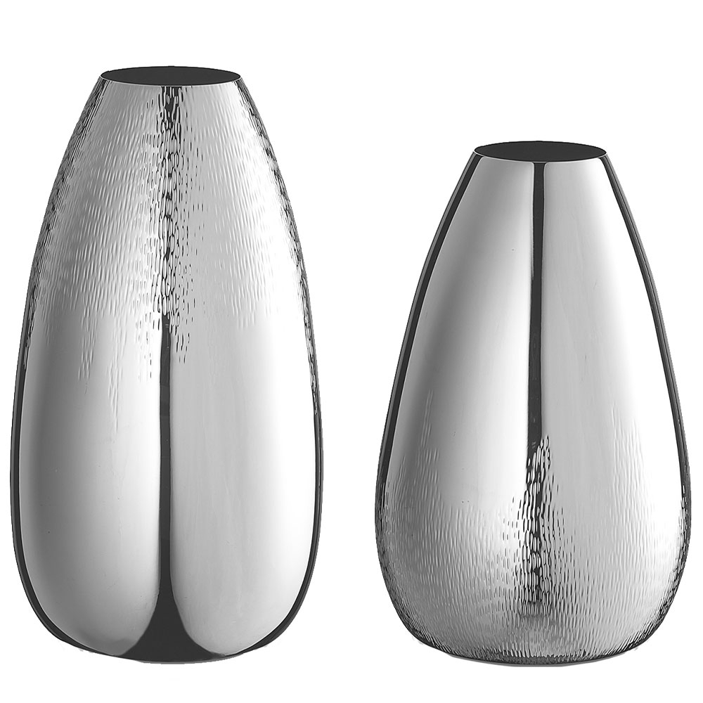 Silver vases by Sven Markus von Hacht Coming-Soon